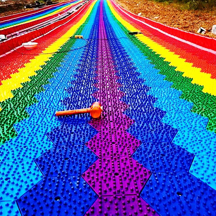 户外亲子游乐 彩虹滑道厂家 网红彩虹滑道 打造网红打卡景区