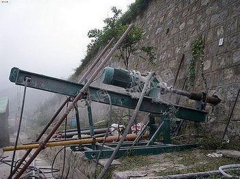 山东恒旺小型潜孔钻机冲击钻立式冲击钻机