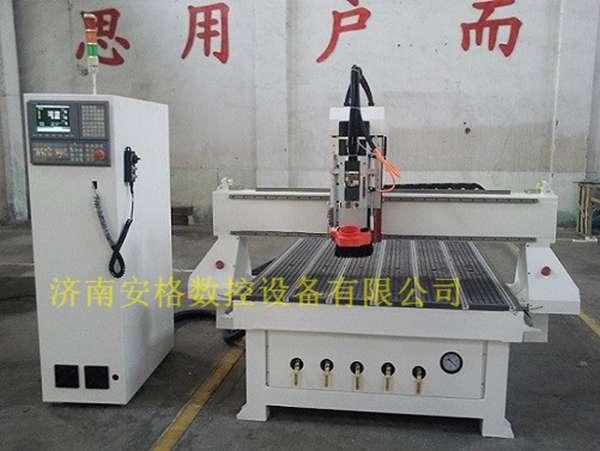 济南数控1325直排式木工加工中心自动换刀雕刻机