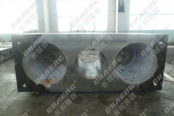 新乡长城铸钢供应大型液压机油缸