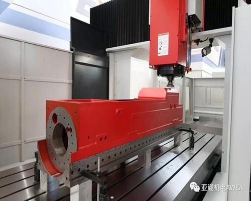 台湾亚崴机械LP-4021龙门加工中心