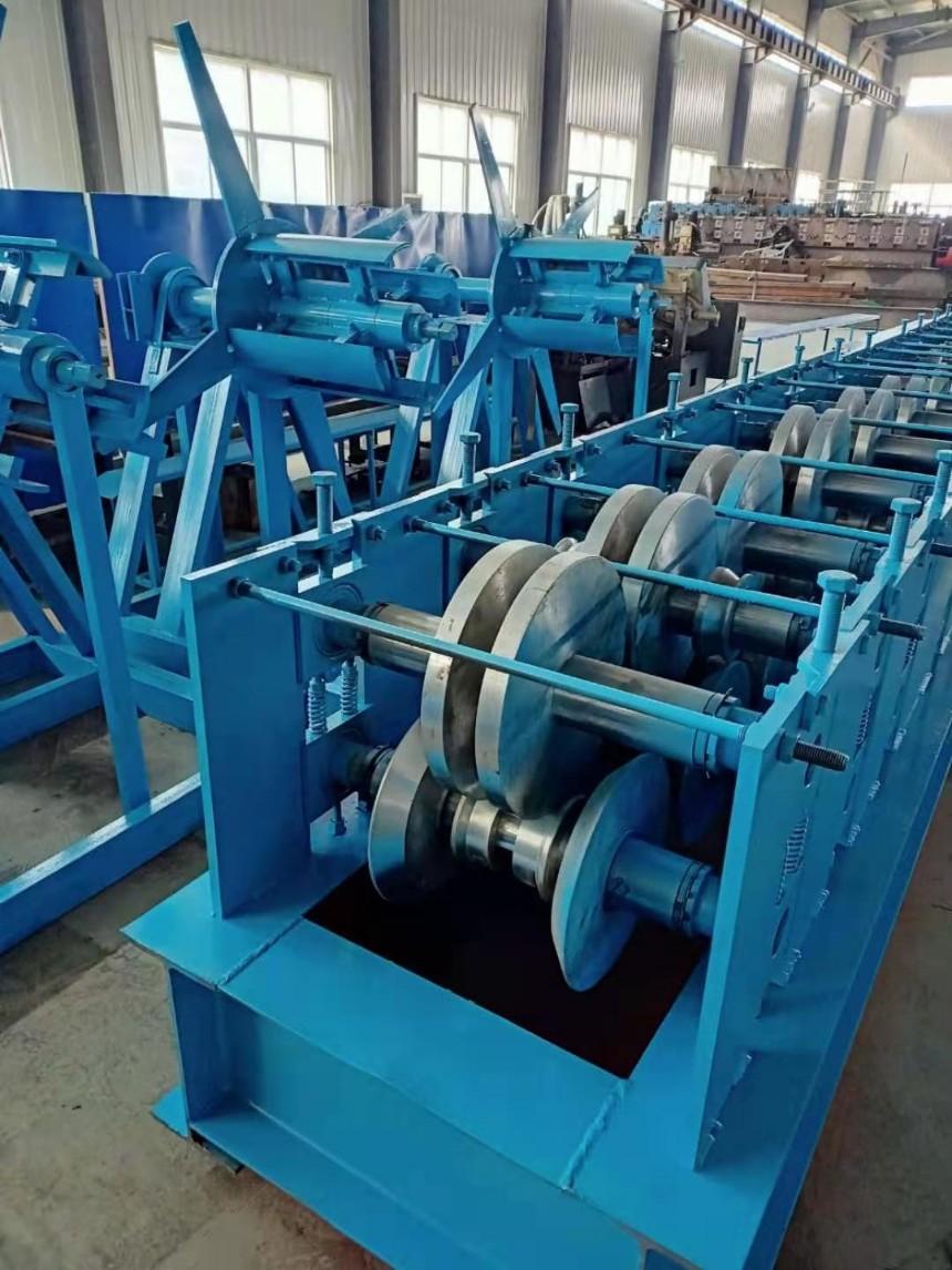 辽宁凯威天沟水槽设备 水槽成型机