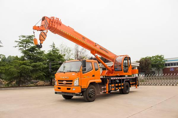 新款国五10吨汽车吊车10吨吊车