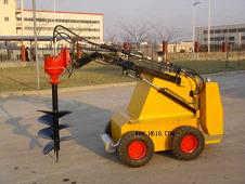 小型滑移挖坑机