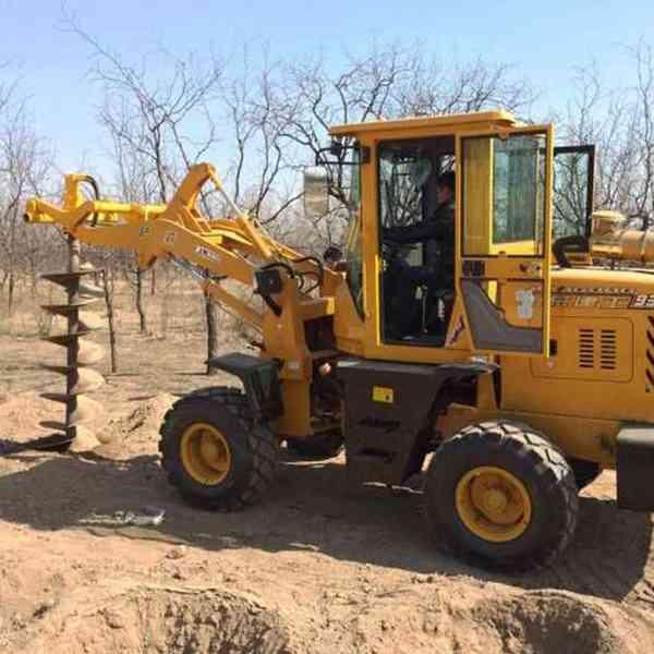 专业改装各种型号铲车钻孔机 装载机挖坑机