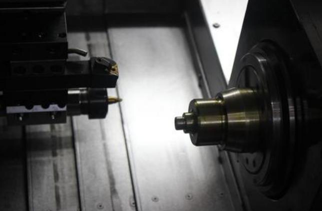 厂家一年包换,GZ4228自动锯切,经久耐用