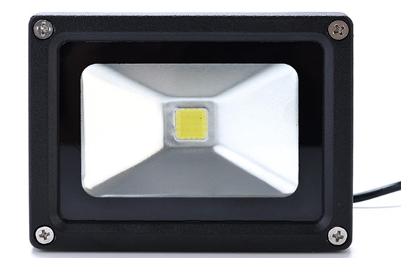 淄博市太阳能LED灯的服务好不好,选择洲际照明LED太阳能投光灯