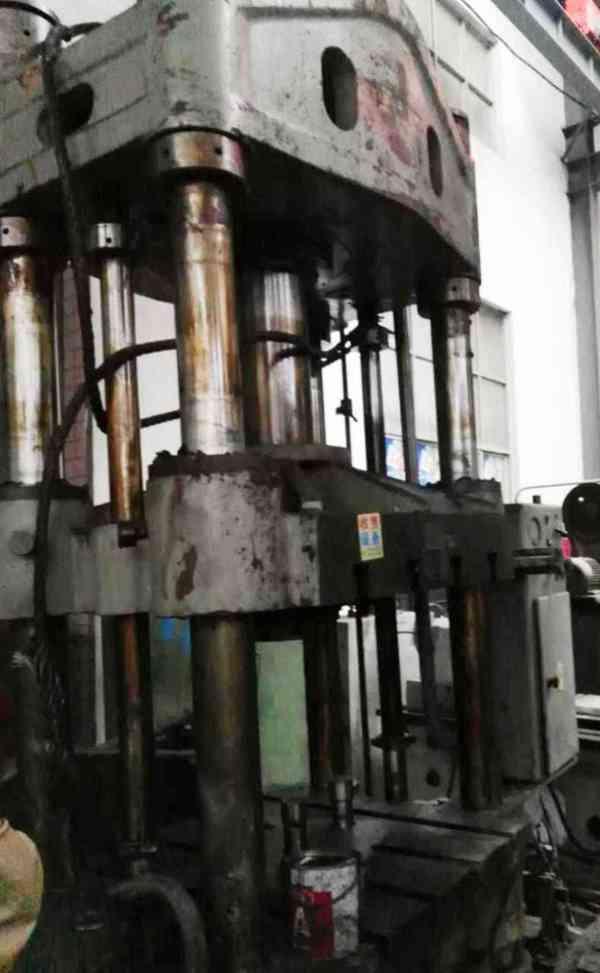 出售:二手天津产Y71-250A塑料制品液压机/油压机