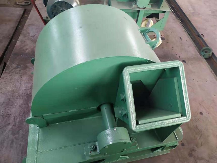 厂家直销菇木粉碎机_香菇料粉碎机_木屑机