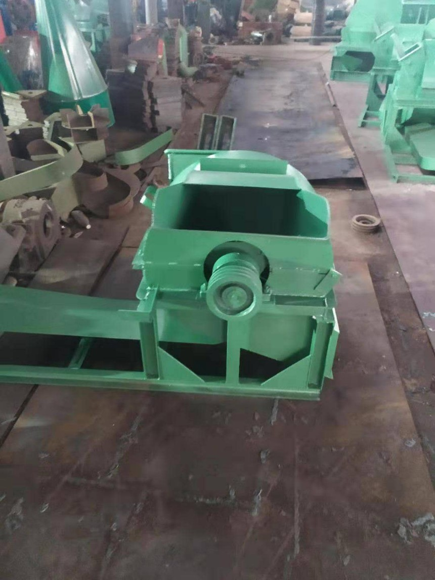 木糠锯末机厂家_生物质燃料专用锯末粉碎机_移动式木屑粉碎机_木糠锯末机