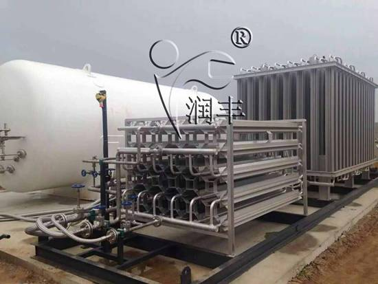 LNG加气站特点/LNG液化天然气和CNG压缩天然气比较有什么特点
