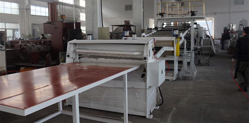 塑料片材挤出生产线——江苏塑料机械厂家