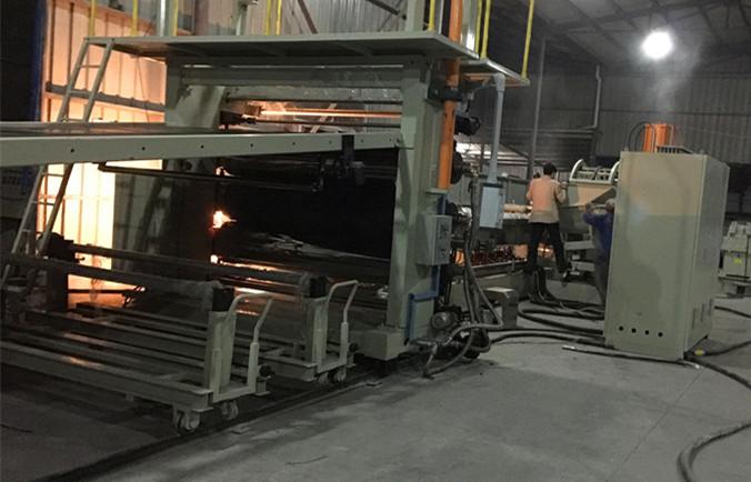EVA汽车内饰片材挤出生产线——江苏塑料机械厂家