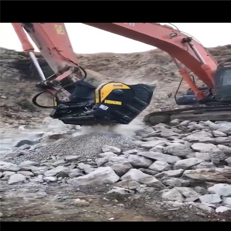 挖机破碎铲斗 钩机破碎斗  粉碎斗的产量