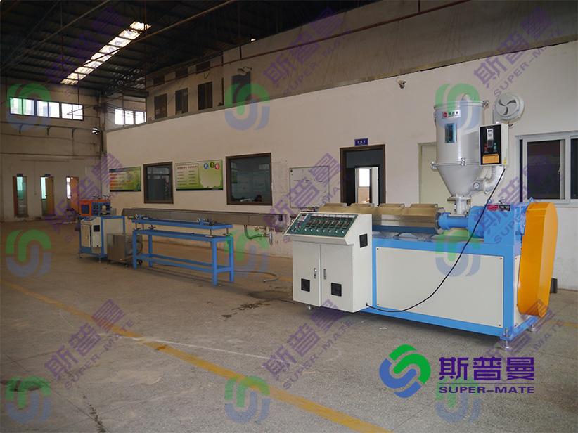 PU管材精密输氧管、鼻氧管挤出设备厂家