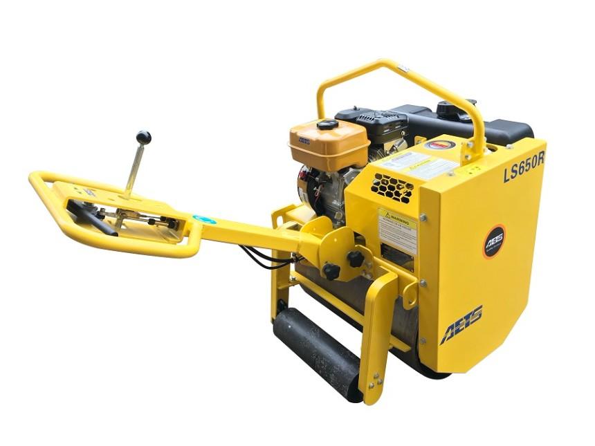 压实非粘性土壤LS650R单钢轮压路机