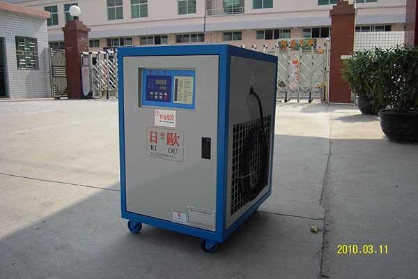日欧水冷式低温冷水机节能混凝专用冷水机