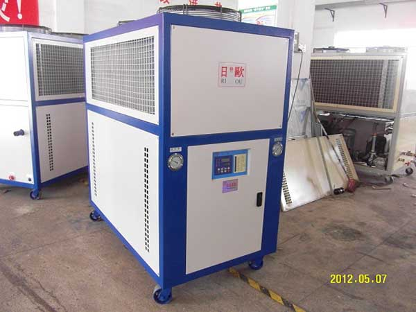 日欧风冷式冷水机环保真空镀膜冷水机