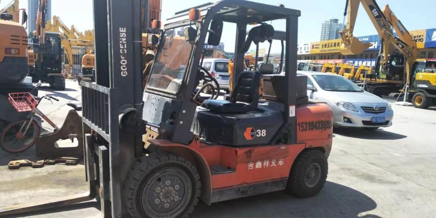 二手叉车出售八成新3吨叉车陕西地区包邮
