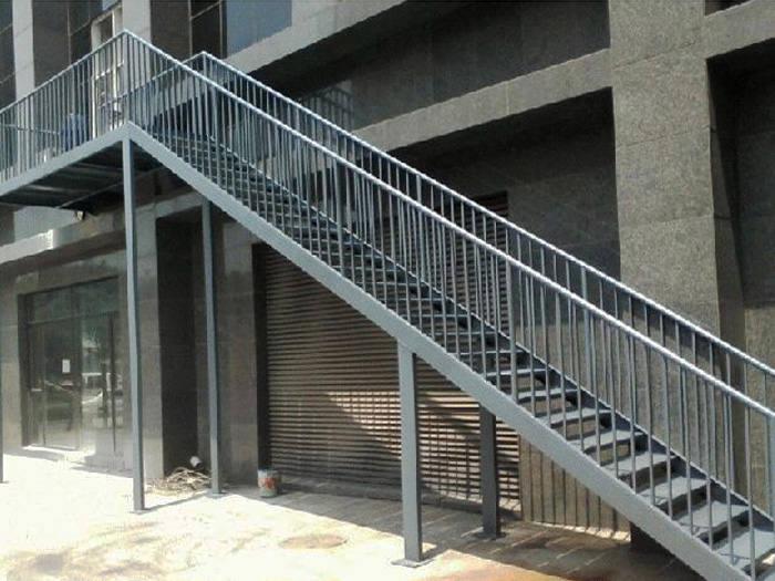 新疆钢结构工程-钢结构楼梯-远东伟业