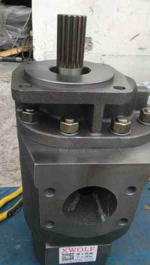 D10NR卡特推土机液压泵齿轮泵