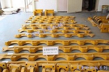 供应结实耐用的正品山推推土机底盘配件支重轮护板的厂家