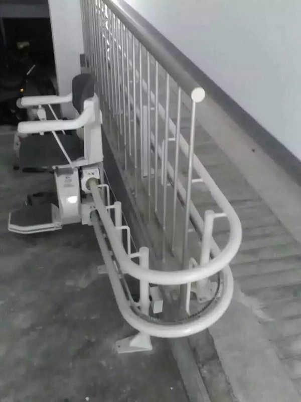 楼梯座椅升降机 老人家用电梯 斜挂式升降机厂家启运 西安市