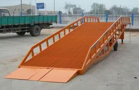鞍山市台安县启运液压登车桥 大吨位登车桥 装卸平台