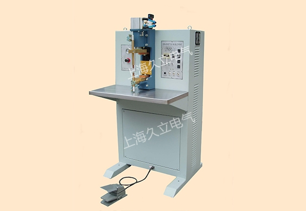 上海久立专注于点焊机厂家领域,其电气设备销量稳步前进,深得
