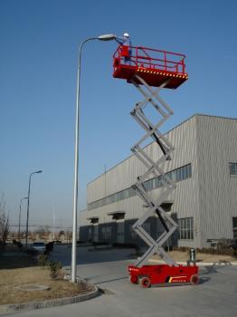 湖北自行式升降机