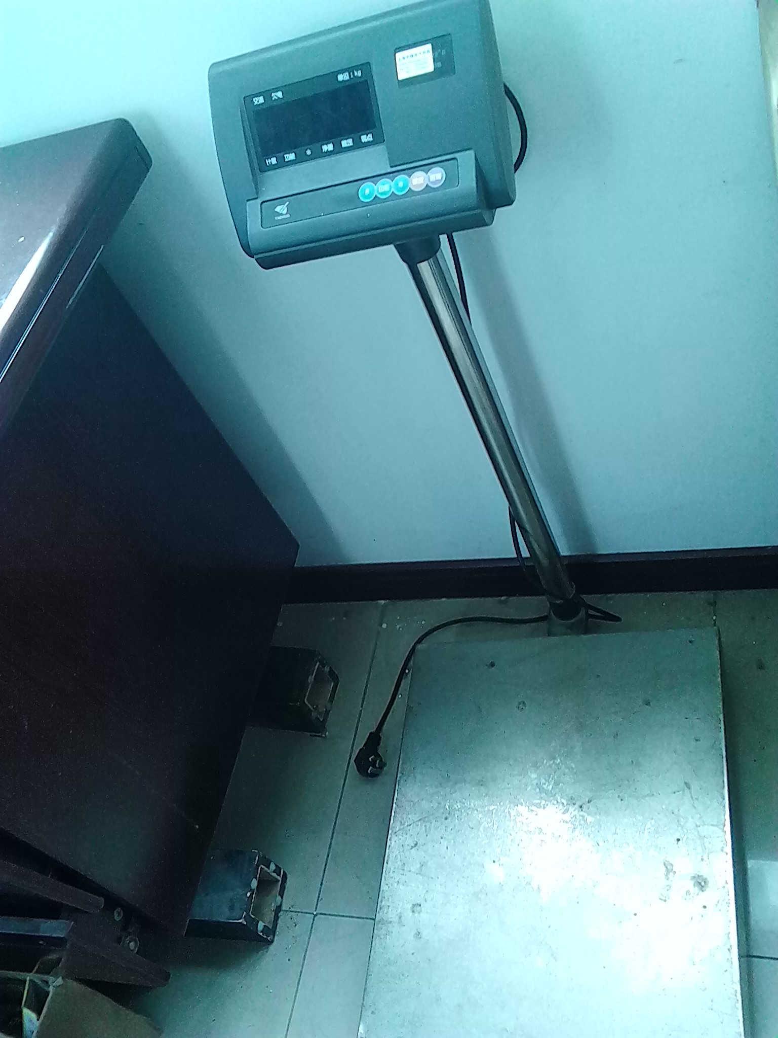 *以ip67防水连接盒(junction box)连接4颗高精度感应器使用.
