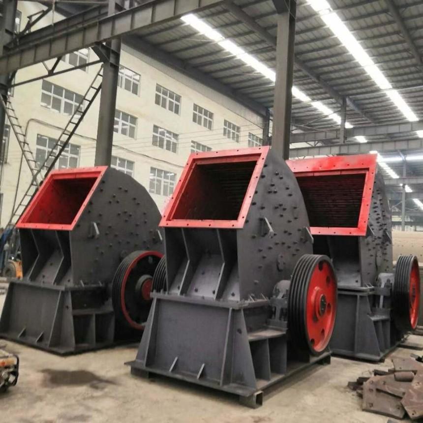 重型锤式破碎机运行成本低破碎比大,产品粒度小